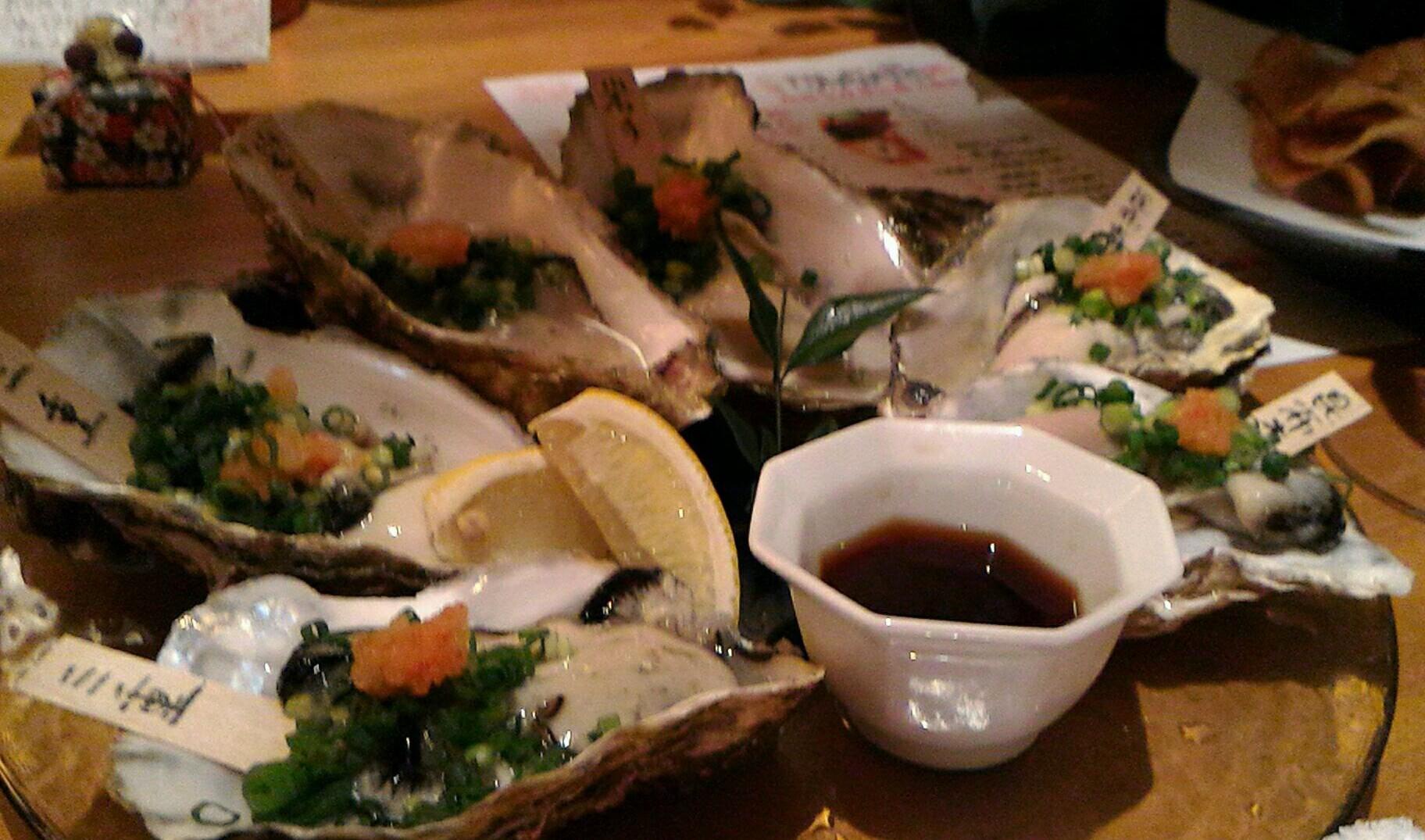 彩で日本酒と肴を楽しむ
