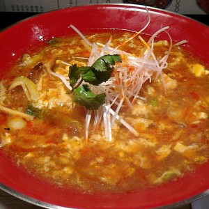 いいお味の酸辣湯麺【新潟 三宝亭】@中目黒