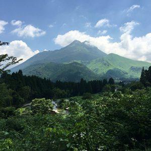 湯布院ぶらり旅4【露天風呂から眺める由布岳(柚富の郷 彩岳館)】