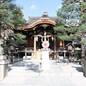 巨大なガマガエルの金運神様がいる【大将軍八神社】と、京都の美味しいお豆腐ランチに平伏す