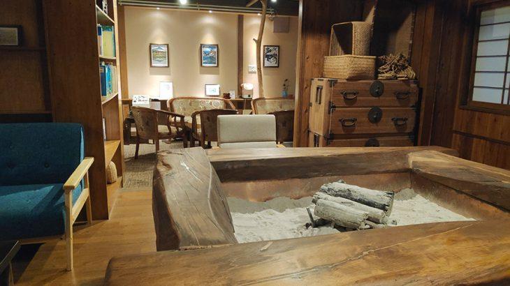 東山温泉のレアな足元湧出の温泉を楽しんだ後は、フリードリンクの焼酎を【くつろぎ宿 新滝】