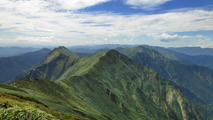 山々の稜線の美しさに感動!登山者を虜にする谷川岳